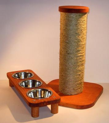 MrFinnsScratchPost and Pet Feeding Stand